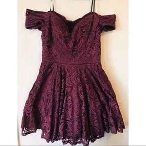 Dresses & Skirts - Off the shoulder dress!